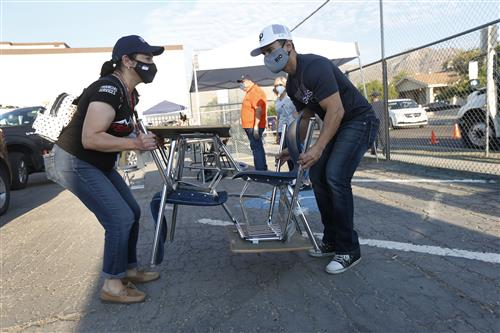 Video+Story: El Paso ISD distributes 800+ surplus students desks