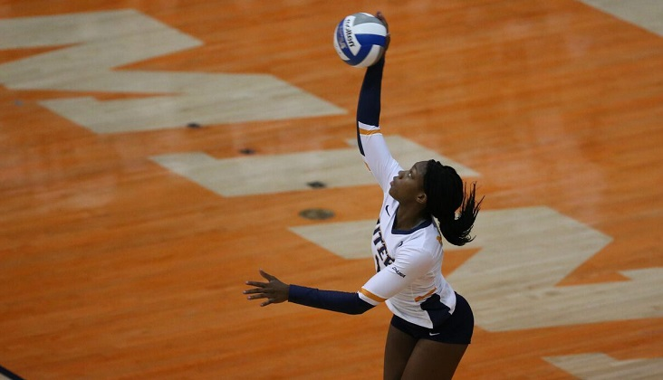 UTEP forces five sets in first scrimmage loss