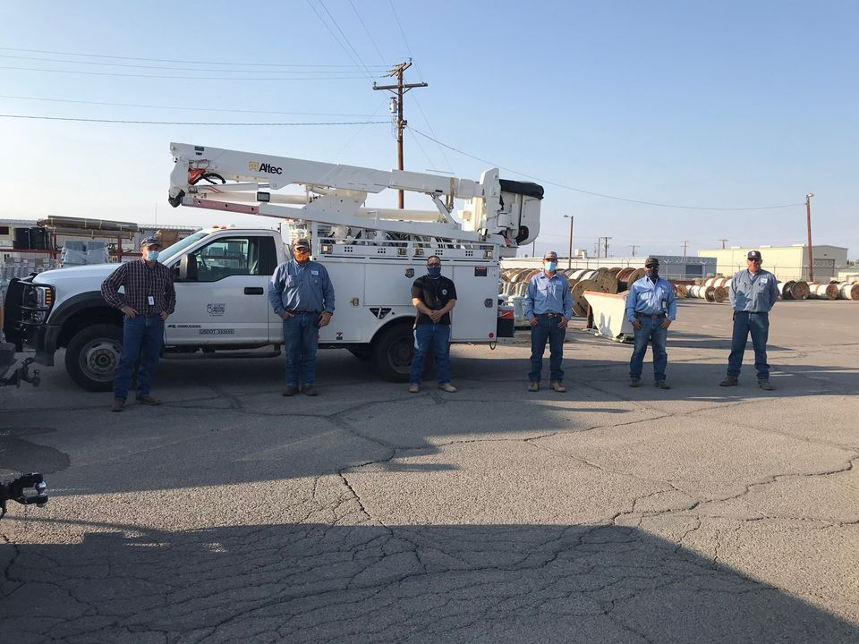 Crews prepare to head to New Mexico | Photo courtesy EP Electric