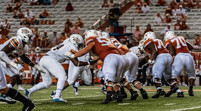 Longhorns take down UTEP 59-3