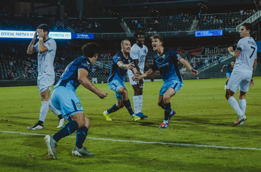 Locomotive end San Antonio's unbeaten streak with 2-1 win