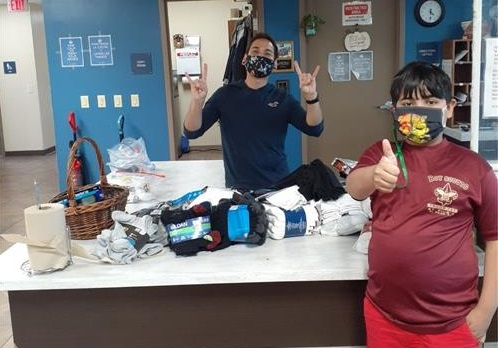 Through pandemic, Richardson student continues sock drive for the homeless