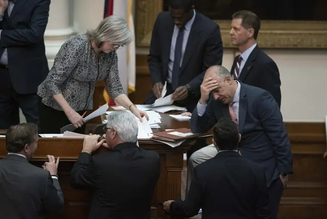 The Texas Legislature will meet in January to decide the state budget for the next two years. Credit: Bob Daemmrich for The Texas Tribune