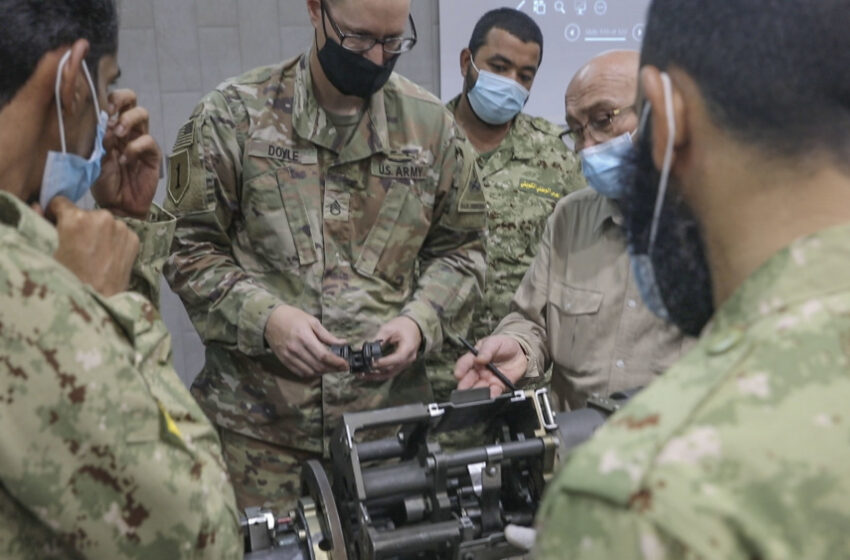 Ft. Bliss's 2ABCT helps train Kuwait National Guard on weapons system