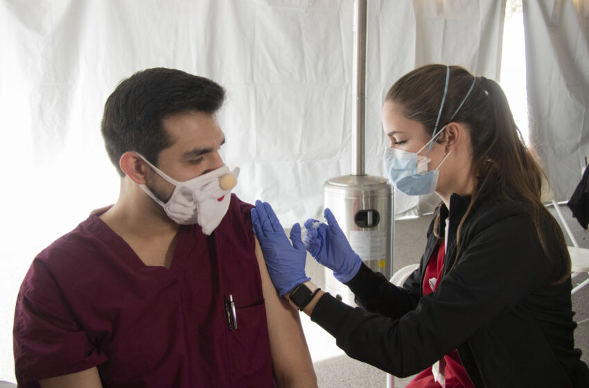 TTUHSC El Paso Nursing, Medical Students administer COVID-19 vaccine to local Health Care Heroes