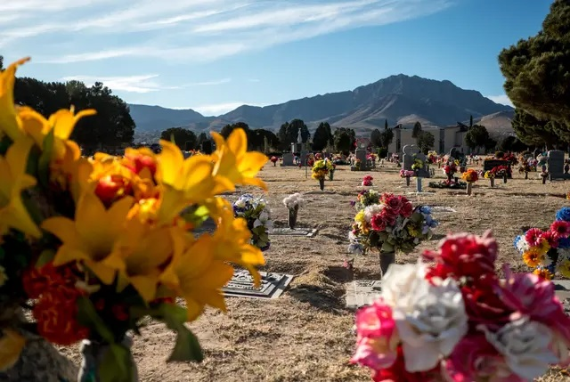 As COVID-19 deaths mount in El Paso, the pandemic is robbing some mourners of traditional funerals