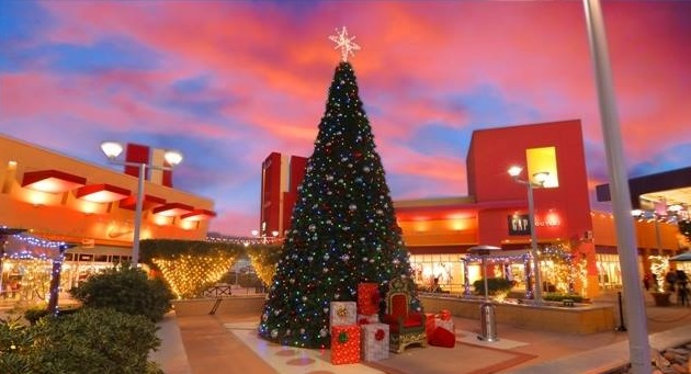 Outlet Shoppes at El Paso to feature holiday ice sculptures this weekend