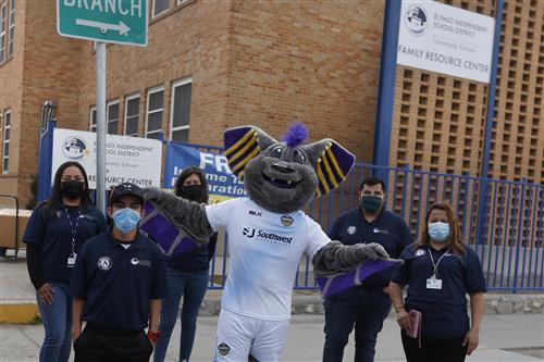 Gallery+Story: El Paso Locomotive donates jerseys, shorts to EPISD Community Schools