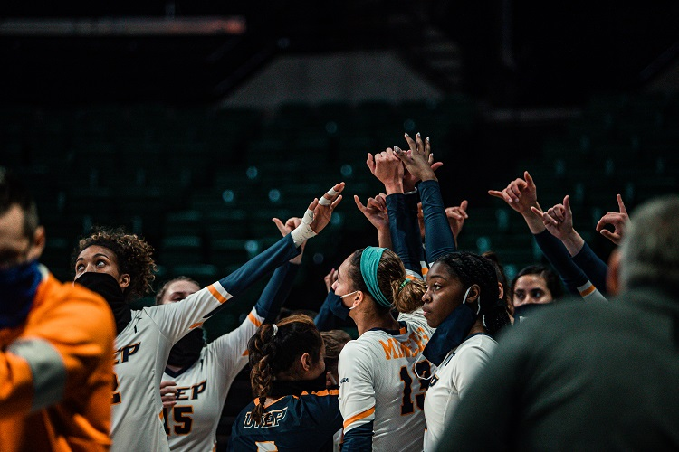 UTEP Volleyball bounces back with straight-set victory over UAB