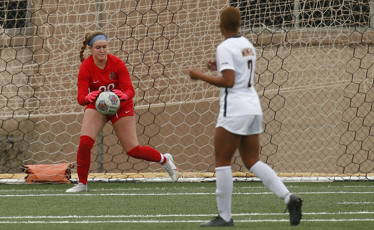 Sophomore Goalkeeper Emily Parrott  | Photo by Ruben R. Ramirez