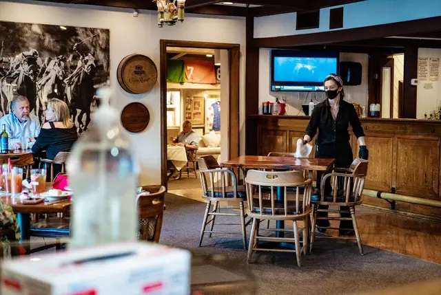 Alcohol to go from restaurants gets closer to becoming permanent as Texas House gives approval