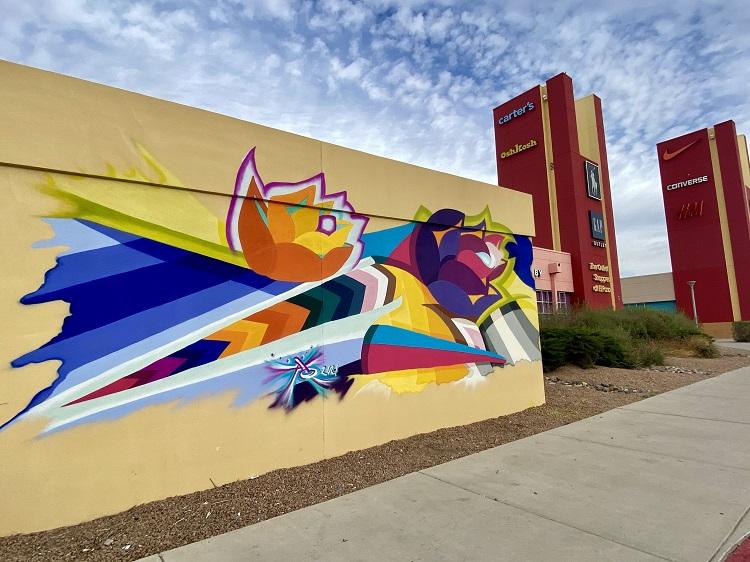 """Primavera en el Otoño/Springtime in the Fall mural by Eugenia """"AO"""" Carmon    Photo courtesy Outlet Shoppes of El Paso"""