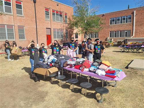 Gallery+Story: Clothing, school supplies help students, staff in need in Jefferson neighborhoods