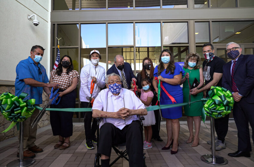 Gallery+Story: City celebrates opening of New Valle Bajo Community Center and Library