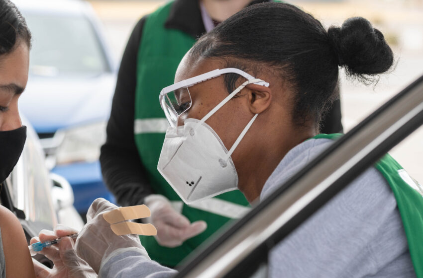 NMSU nursing students surpass 1,000 hours volunteering at campus vaccine clinics