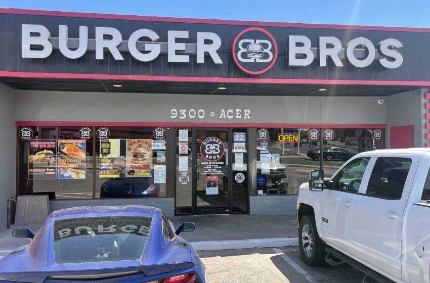 Burger Bros officially introduces El Paso location; Pairs hamburgers, hot dogs with self-serve beer, wine