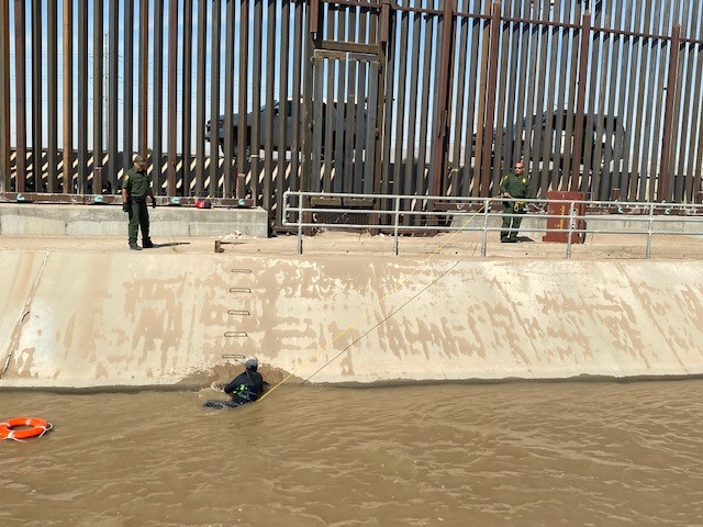 Ysleta Border Patrol Agents rescue migrants from swift water in Lower Valley canal