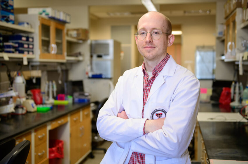 3rd Year Student is First from Foster School of Medicine to be Selected for the NIH Medical Research Scholars Program