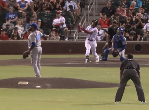 Pedro Florimón hit El Paso's first grand slam of the season in the team's seven-run sixth inning  | Clip courtesy EP Chihuahuas