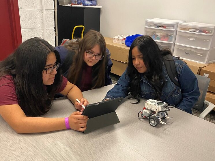 NMSU middle school girls group encourages exploration of STEM careers, pathways