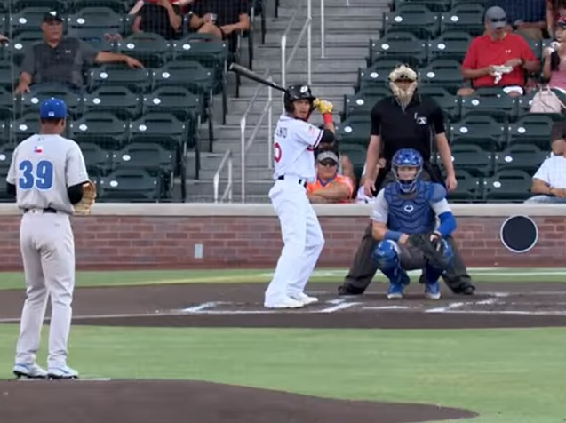 First AB back home? Tucupita Marcano sends it to the Big Dog House.  | Clip courtesy EP Chihuahuas