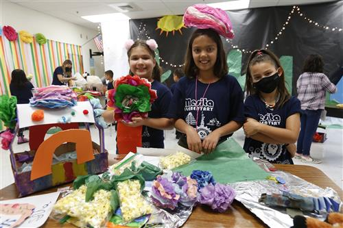 Mesita's annual dual-language summer camp helps students understand other cultures