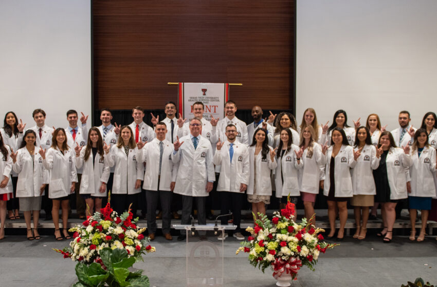 Gallery+Story: Hunt School of Dental Medicine's Inaugural Class receives White Coats