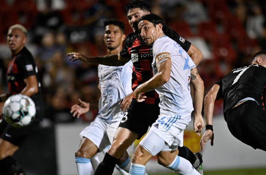 Locomotive lose to San Antonio 2-1; Locos remain atop USL