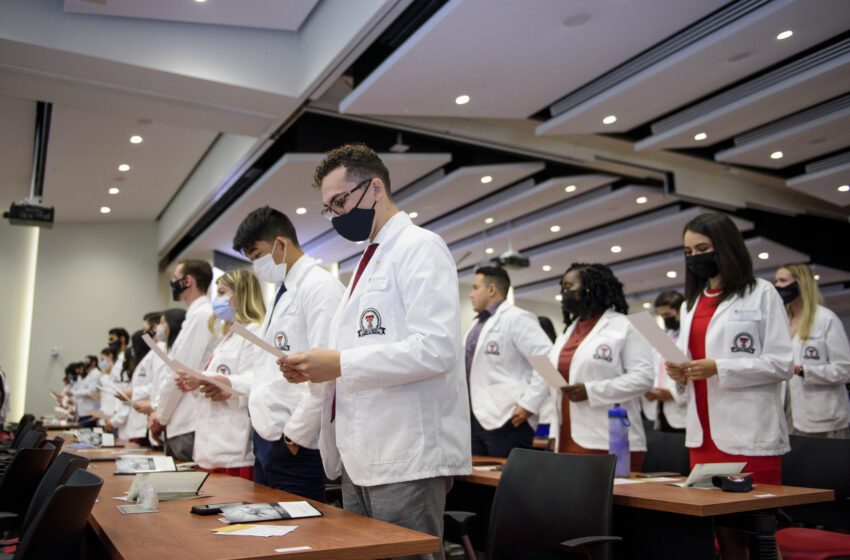 Foster School of Medicine's largest incoming class gets White Coats from El Paso Community