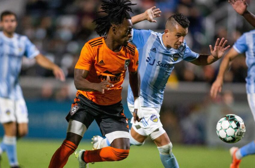 Leandro Carrijo's late goal secures tie, earns road point for Locomotive