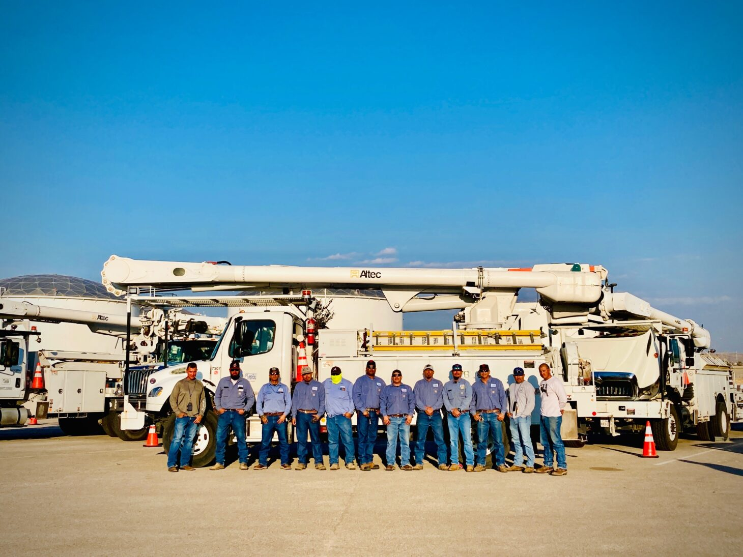 EPE Crews from El Paso Heading to Houston to Assist in Power Restoration Efforts  | Photo courtesy EPE
