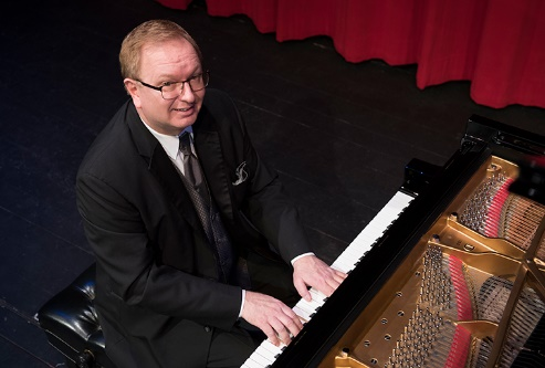 """""""America's Pianist"""" Kevin Cole"""