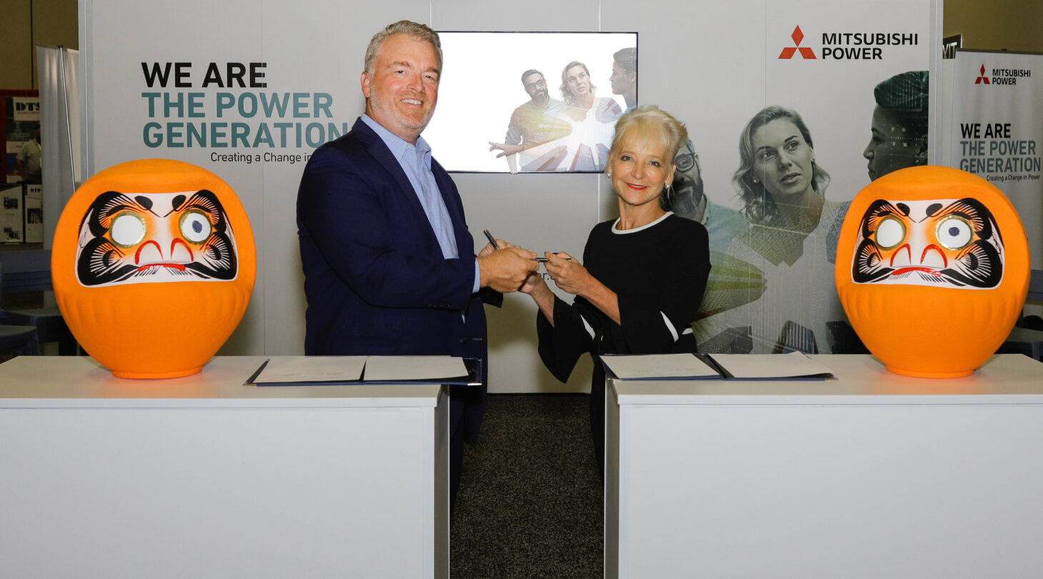Mitsubishi Power Americas CEO Paul Browning and El Paso Electric CEO Kelly Tomblin