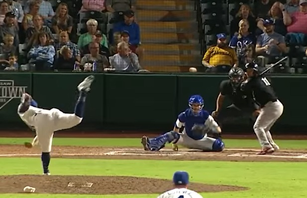 Yorman Rodriguez and Pedro Florimón hit back to back homers for the Dogs  | Clip courtesy OKC Dodgers